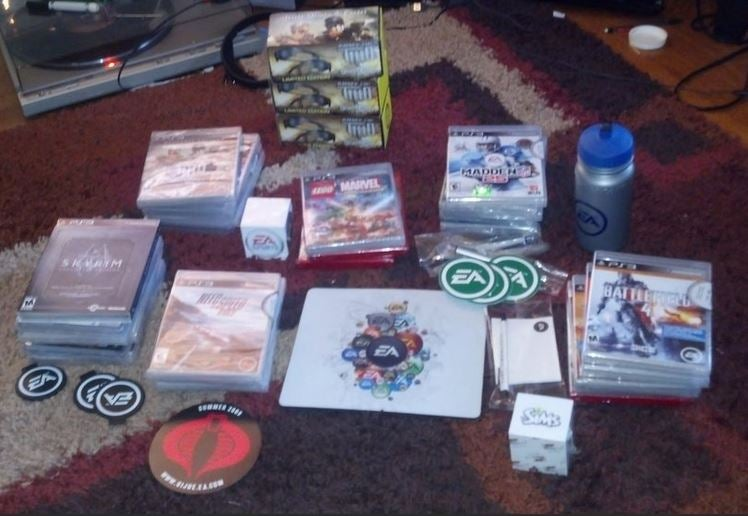 SantEA Claus Makes a Gamer's Holiday Happy