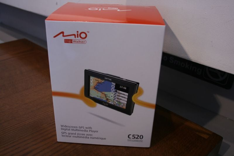 Mio's Widescreen C520 GPS Takes on the TomTom One XL