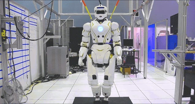 "Meet Valkyrie, NASA's ""Superhero"" Robot With a Glowing Blue Heart"