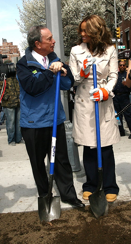 Mayor Bloomberg & Tyra Shovel, Shoot Shit