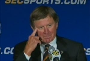 Steve Spurrier Apologizes For Not Genuflecting To The Tebow