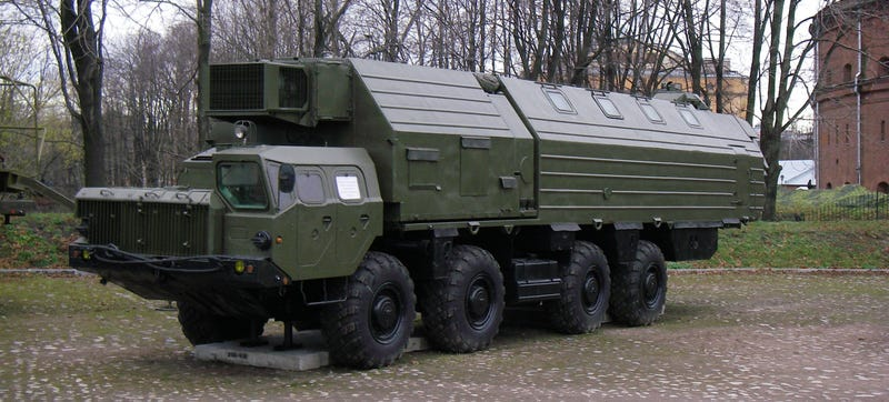 Russia's Fast And Elusive TOPOL-M Ballistic Missile Is Scary As Hell