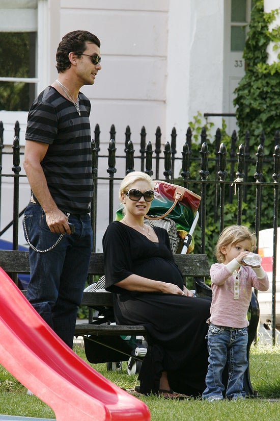 Gavin, Gwen, Kingston & The Unborn Rossdale Hang Out In The Park