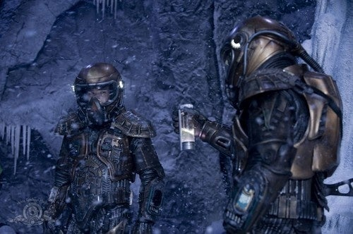 """Get Wet With Stargate Universe """"Water"""" Pics"""