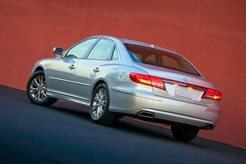 2010 Hyundai Azera: The Not-As-Attractive Sonata Alternative