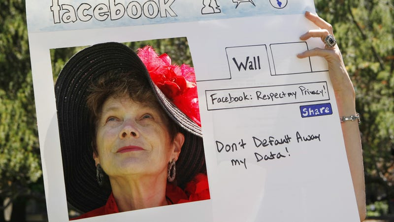 Facebook Will Block Humiliating Photos, If You Insist