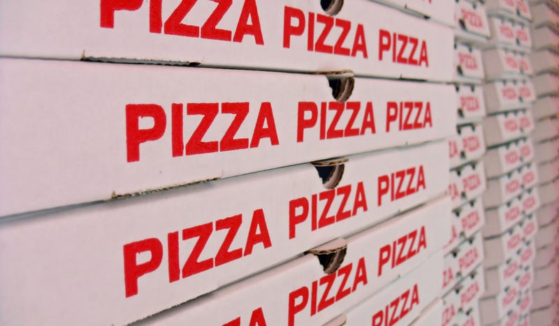 Good Guy Delta Airlines Gets 60 Pizzas For Stranded Passengers