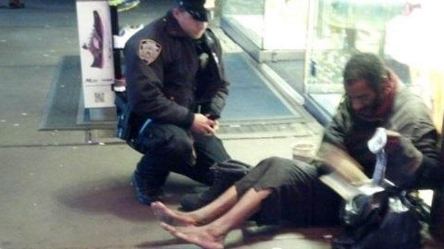 NYPD Cop Who Bought Boots for Homeless Man Recounts His Act of Kindness: 'I Had to Do Something'