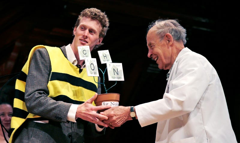 The 25th Ig Nobel Awards Were The Greatest Moment In The History of (Silly) Science