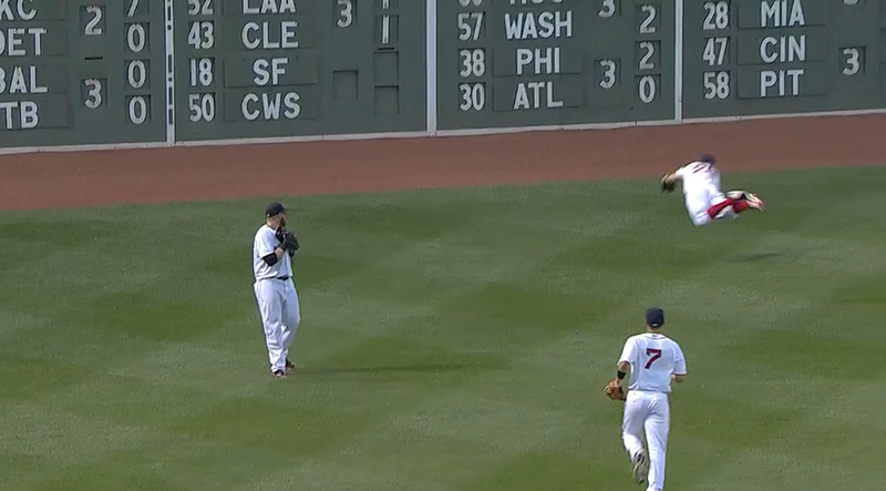 Jonny Gomes Loses Fly Ball; Brock Holt Saves The Day With Diving Catch