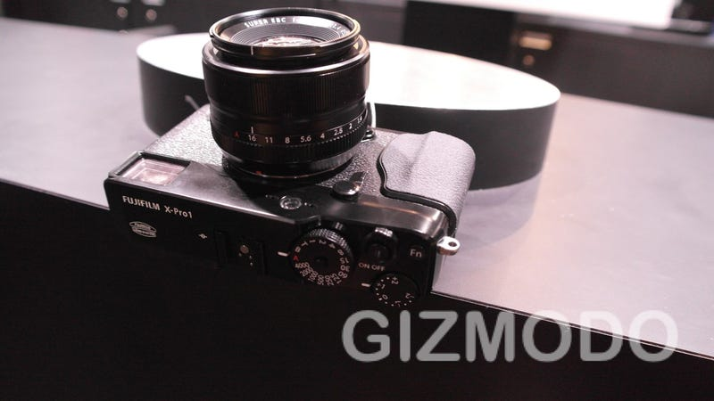 Fujifilm X-Pro1 Hands-On: Intoxicatingly Simple