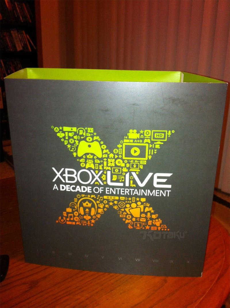 Microsoft Sending Xbox Live Veterans a Custom, Free Xbox 360 [Update]