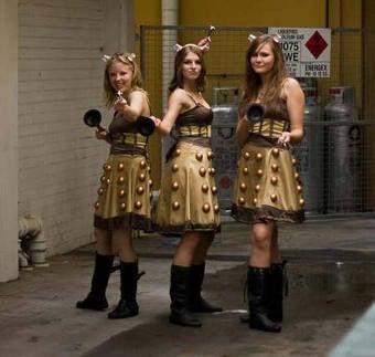 How Do You Seduce A Doctor Who Fan? Wear A Big Damn Scarf