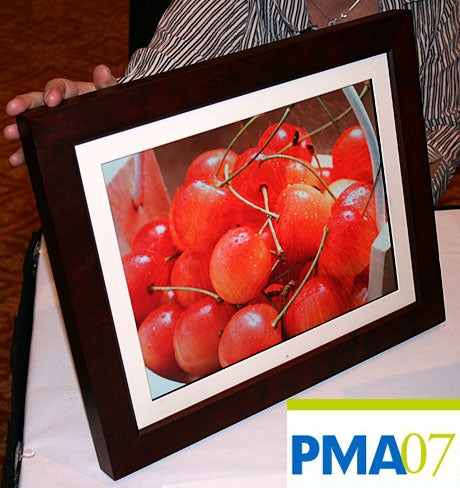 "PMA 07: Pandigital 15"" Frame, Thinner But with a Huge Honkin' Screen"