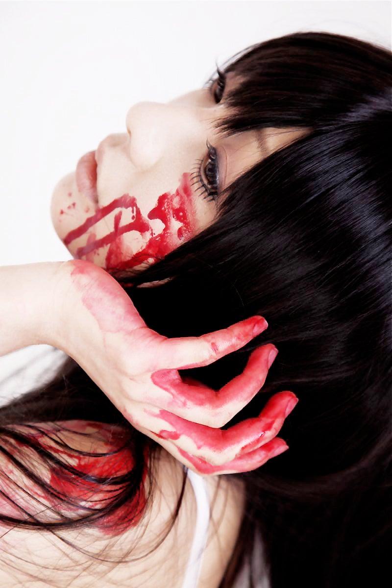 The Beautiful (and Bloody) Cosplay of Saki Hanamura