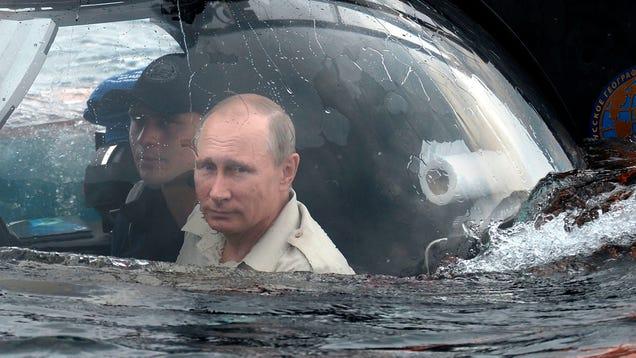 El presidente Putin se sumerge hasta el fondo del mar Negro en un batiscafo 1392832415852447632