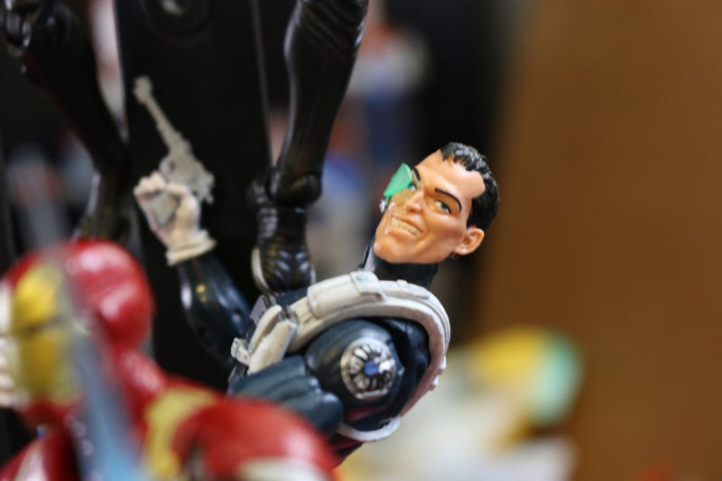 Toy Time Builds A Giant Man Out Of Marvel Legends Action Figures