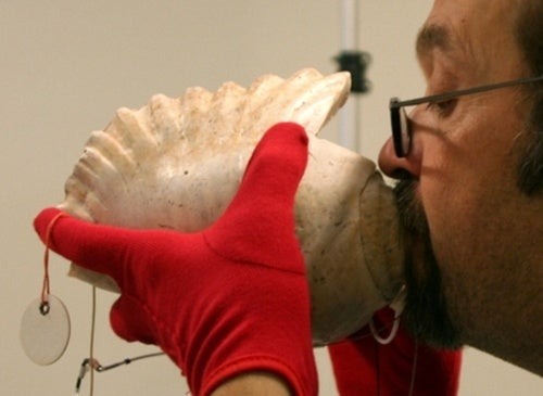 Haunting conch shell trumpets played for the first time in over 3000 years