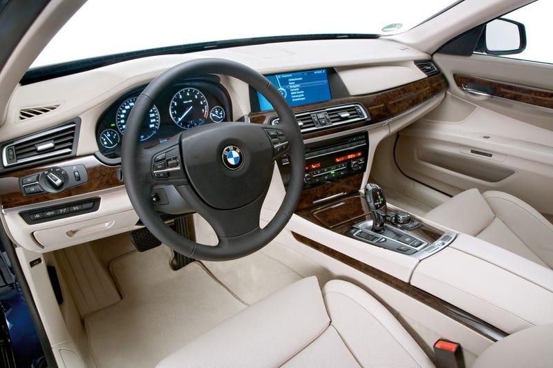 2010 BMW 760Li: V12 Power For A V12 Price