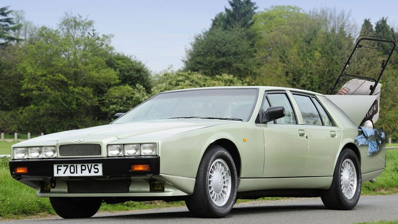 What's Going On With The Aston Martin Lagonda's Hidden Taillights?