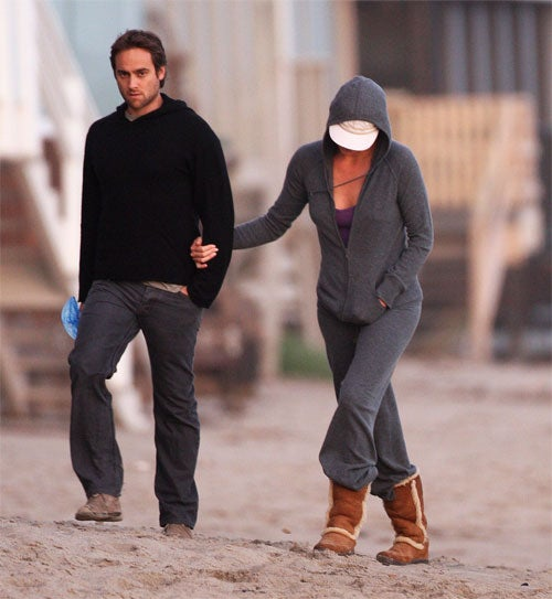 Stuart Townsend Spotted With Mystery Woman On Malibu Beach