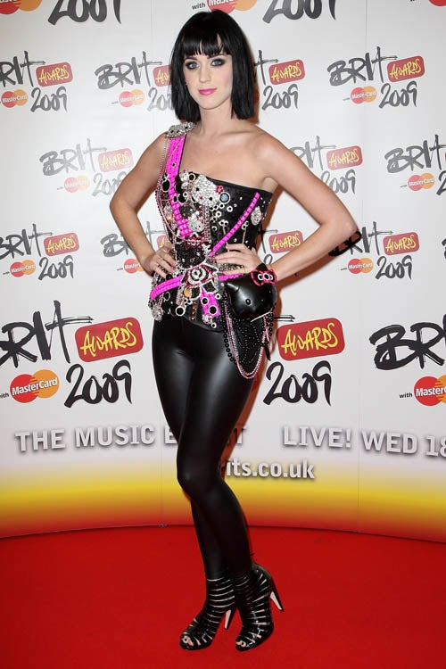 Terrible, Horrible, No Good, Very Bad Fashion At Brit Awards!