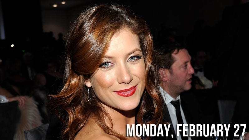 Kate Walsh Kindly Asks Fellow Actresses to Stop Fucking With Their Faces