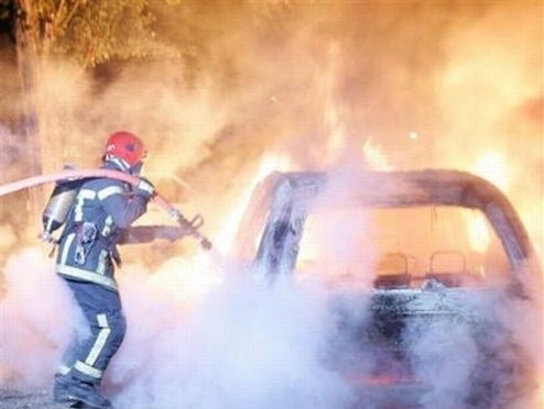 French Hooligans Burn 1,147 Cars To Celebrate New Year