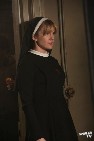 American Horror Story Episode 2.05 Photos