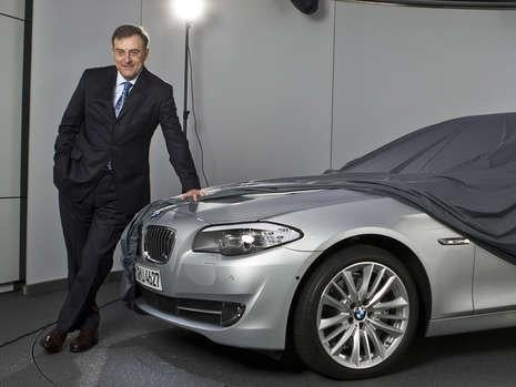 2010 BMW 5-Series Officially Shows Us Its Headlights