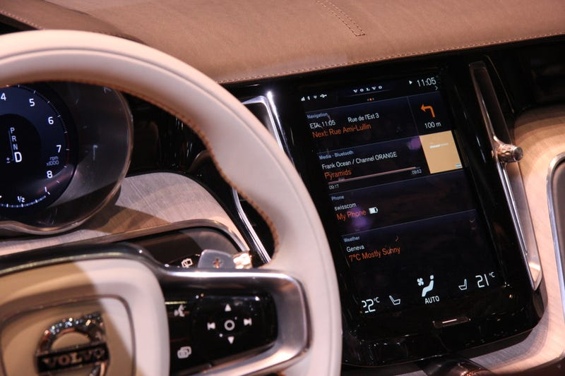 What It's Like To Use Apple's CarPlay Hands-Free System