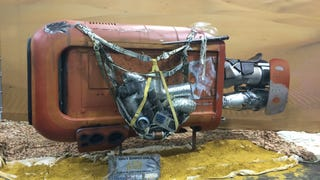 A Closer Look At The New Landspeeder From <i>Star Wars Episode VII</i>
