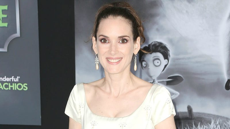 "Hollywood Once Informed Winona Ryder She Wasn't ""High-School-Popular"" Hot"