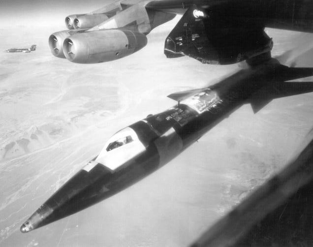 La historia de la nave tripulada más rápida del mundo