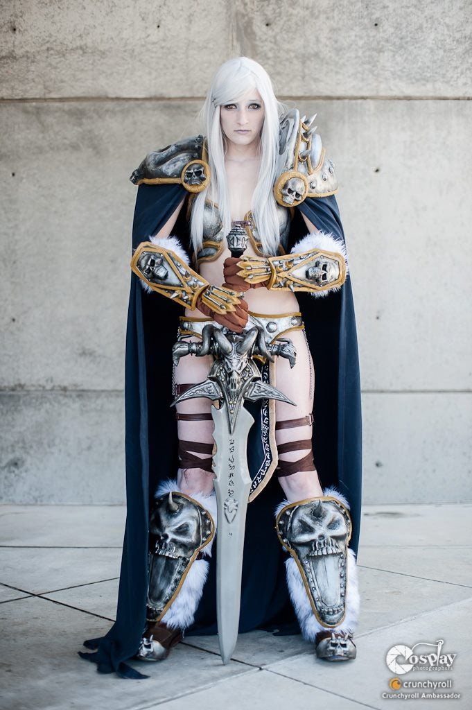 The Lich...Queen? Sephiroth Swimsuit Shots? It Can Only Be a Cosplay Roundup
