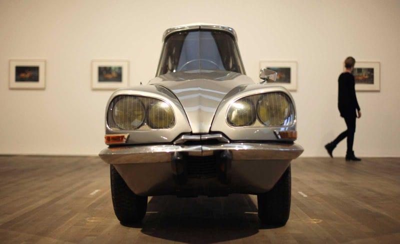 The Oppressive Symmetry Of A Citroën DS