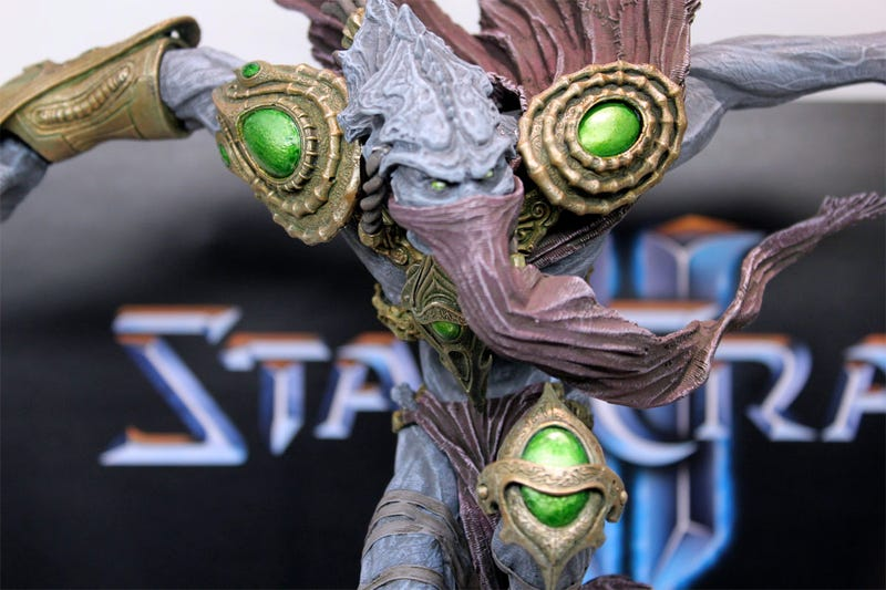 A Closer Look At DC's StarCraft II & World of WarCraft Toys