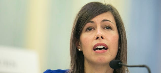 FCC Commissioner Wants to Postpone Net Neutrality Rules