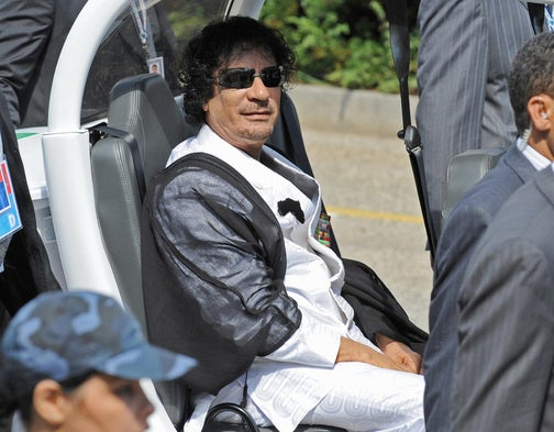 G8 Leaders Look Silly Shuttled Around In GEM Electric Cars