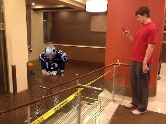 Eli Manning Looking At Things