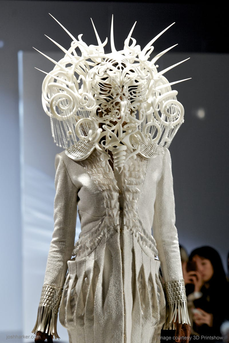 Whoa, This 3D-Printed Headdress Should Be The Next Predator