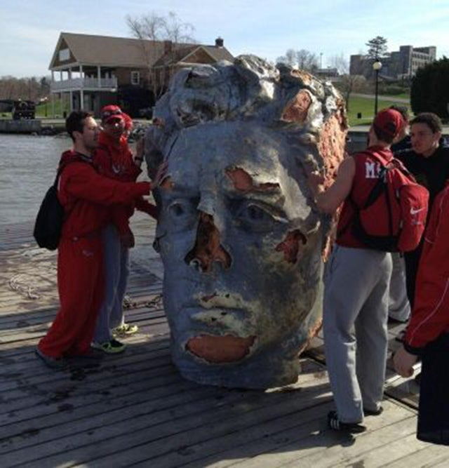 Crew Team Finds an Unexplained Giant Head in the Hudson River