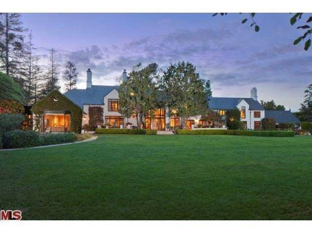 Eric Schmidt Started Spending His Bonus on This Playboy-Adjacent Manse