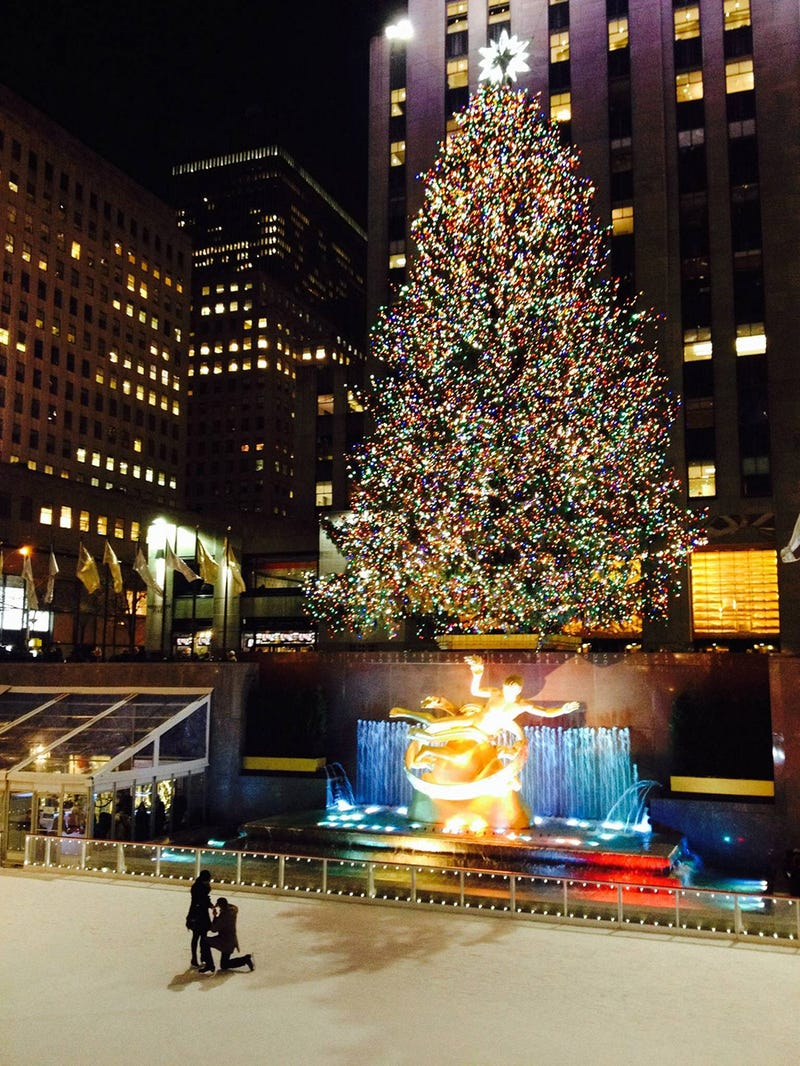 Help Us Find This Couple Who Got Engaged at Rockefeller Center