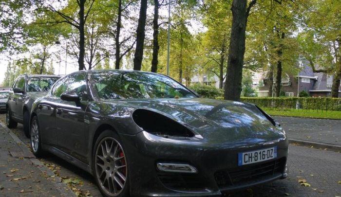 Russian theives target Porsche headlights