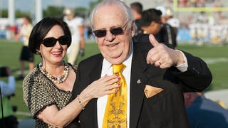 Saints Execs Claim Tom Benson Is Still An Active Owner