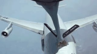 Hooking Up Is Hard To Do: Crazy Aerial Refueling Videos