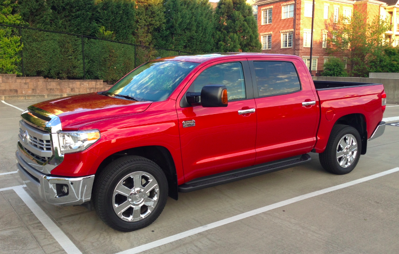 I Spent a Week In a 2014 Toyota Tundra And Found Out Pickups Are Huge