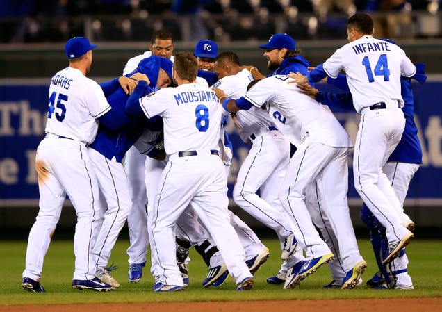 Royals Win On Wild Sprint-Off
