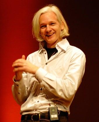 Wikileaks Founder Julian Assange Dodges Feds In New York